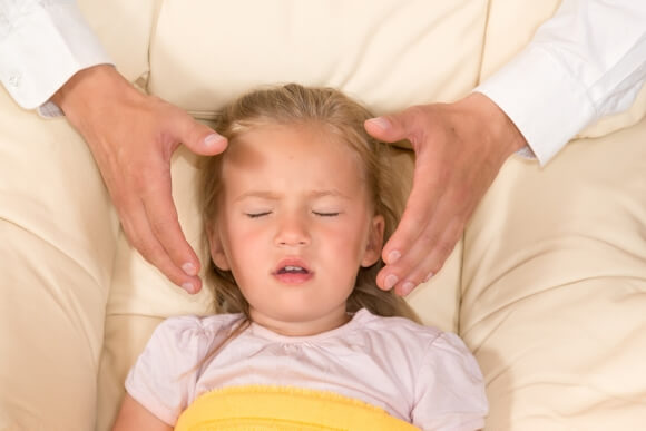 Avoir recours à l'hypnose pour soigner l'énurésie chez l'enfant