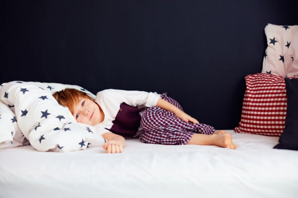 Pipi au lit des enfants: de vraies astuces pour y mettre fin!