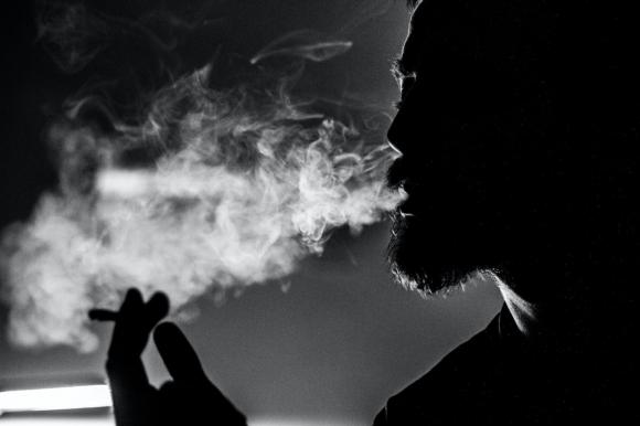 L'incontinence urinaire, cet effet secondaire méconnu du tabac