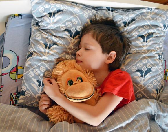 Pipi au lit : les conséquences sur le sommeil de l'enfant